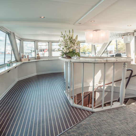 Pacific_Yacht_Charters_Interior_010