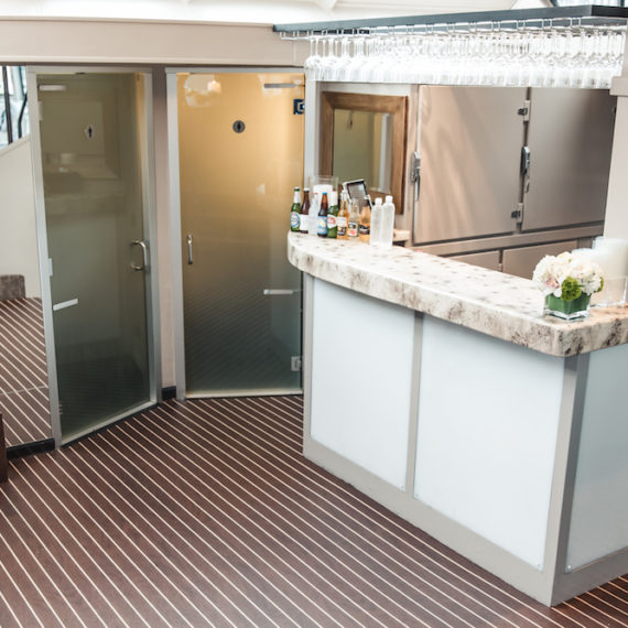 Pacific_Yacht_Charters_Interior_011